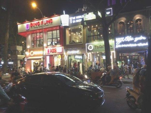 Các quán kem và cà phê buổi tối trung tâm quận nhất Sài Gòn -saigonvedem