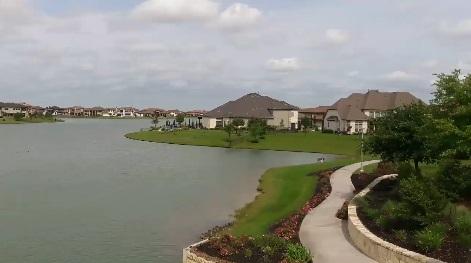 Đây là một trong những khu phố khá giàu tại Cypress – Texas của nước Mỹ.