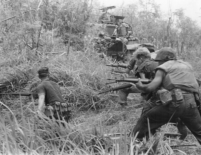 U.S._Marines_in_Operation_Allen_Brook_Vietnam_War_001