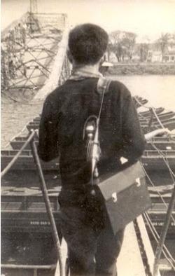 duongnghiemmaudiquacautruongtienmauthanhue1968